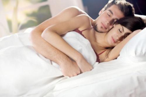 Сексуально спать с женой
