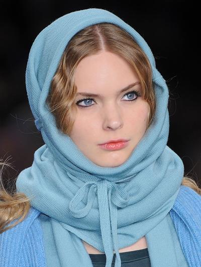 Шарфы, платки, хомуты, капоры, капюшоны, воротники осень-зима 2009.